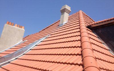 Démoussage toiture à Maizières-lès-Metz : pourquoi est-ce important ?