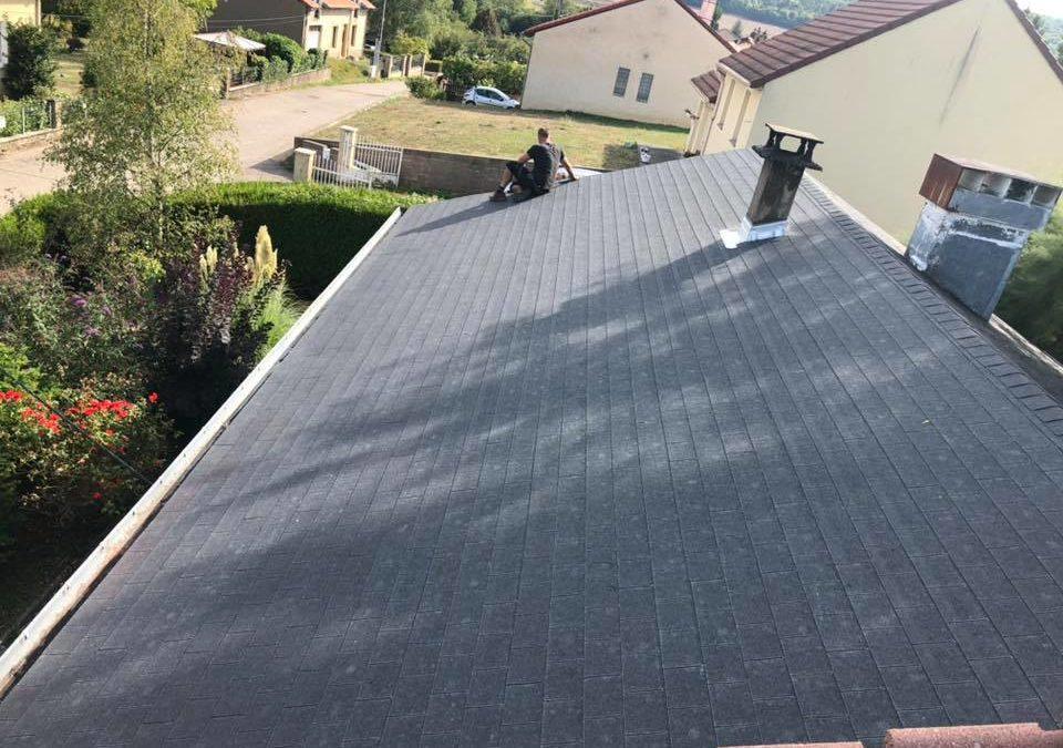 Démoussage toiture à Woippy : un entretien nécessaire